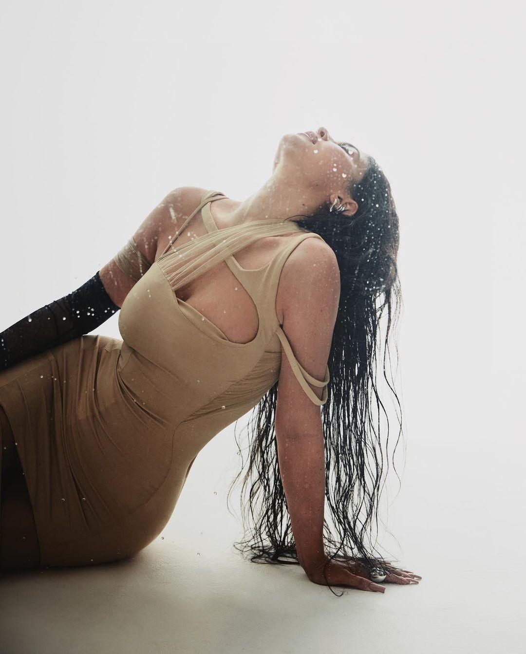 Горячая штука: Кайли Дженнер снялась в откровенной фотосессии для глянца (ФОТО) - фото №9