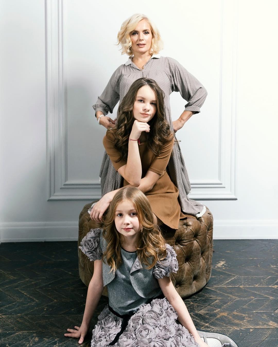 Вот так сюрприз: дочки Марии Порошиной спели со знаменитым дедушкой - фото №2