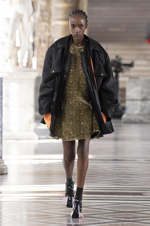 Louis Vuitton провели показ в Лувре: смотрите, как это было (ФОТО) - фото №5