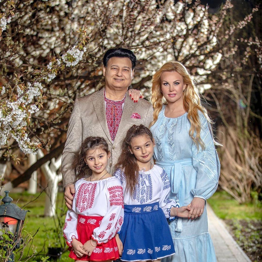 День вышиванки: украинские звезды показали свои вышиванки и рассказали об отношении к символической одежде (ФОТО) - фото №4