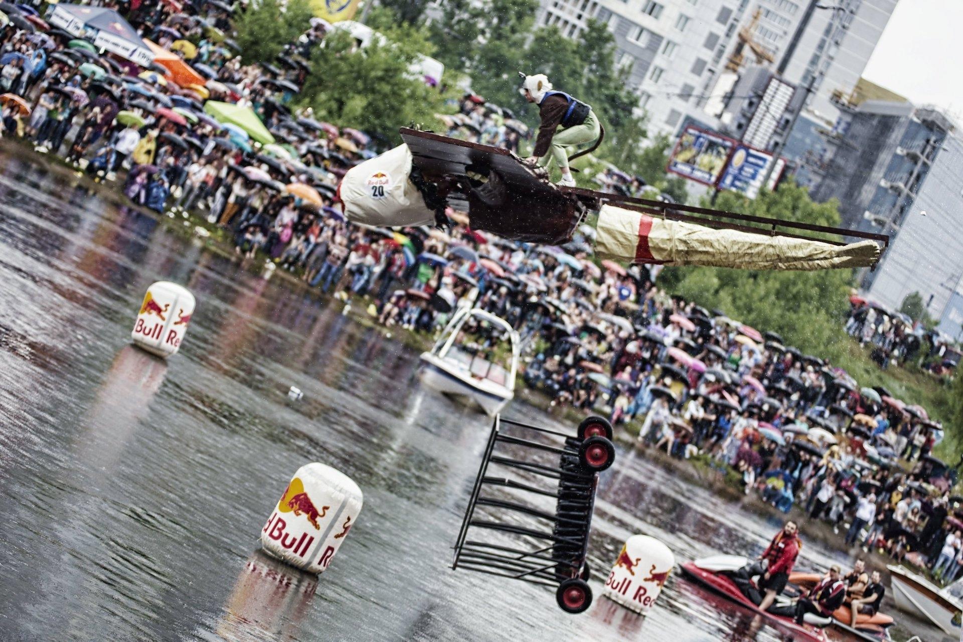 Red Bull Flugtag снова в Украине ищет отважных летунов!