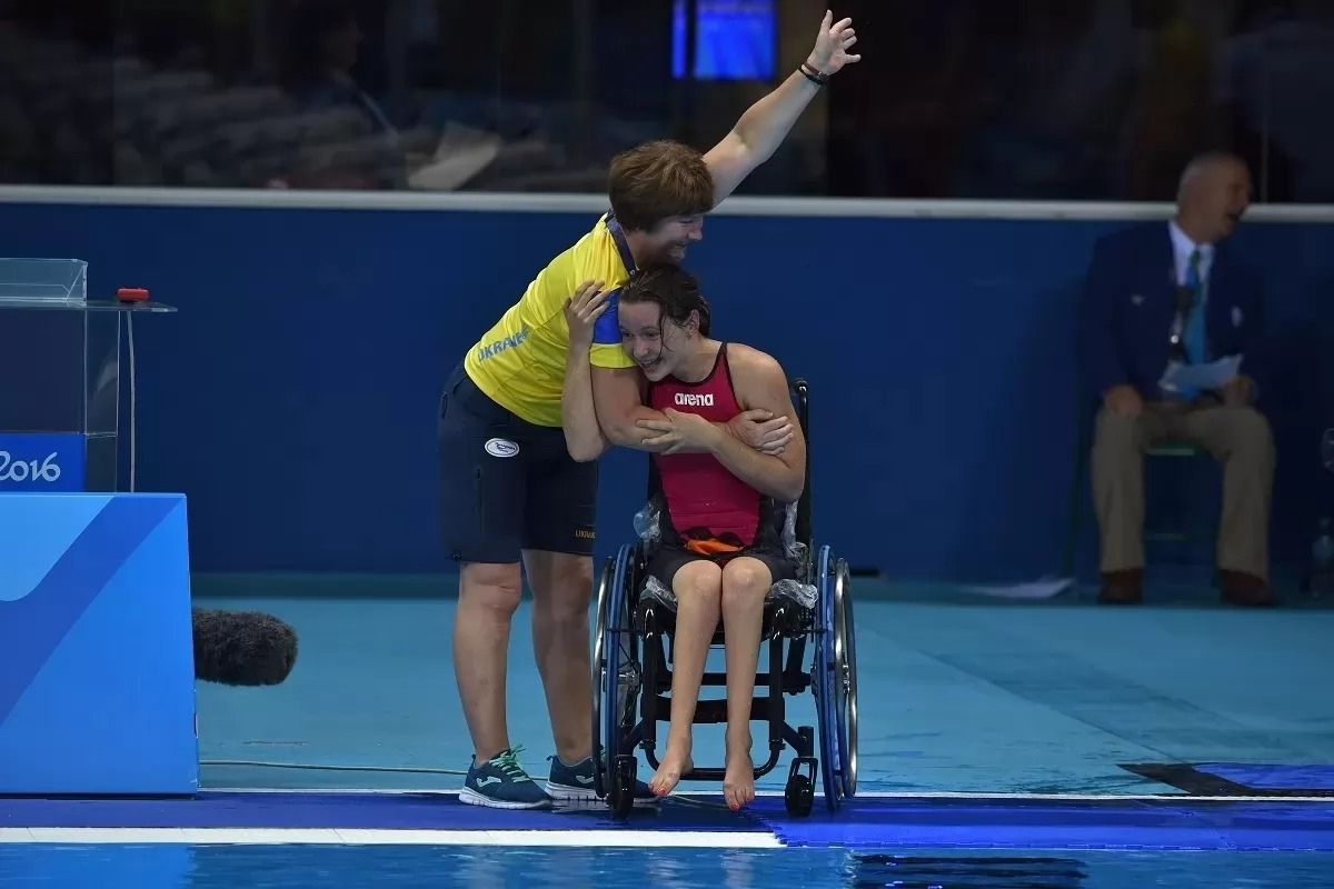 Пловчиха Елизавета Мерешко принесла Украине первое золото на Паралимпиаде в Токио - фото №1