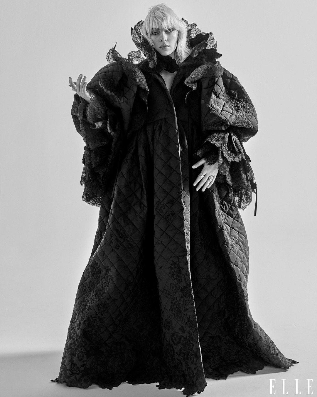 Билли Айлиш снялась в чувственной фотосессии для глянца - фото №3