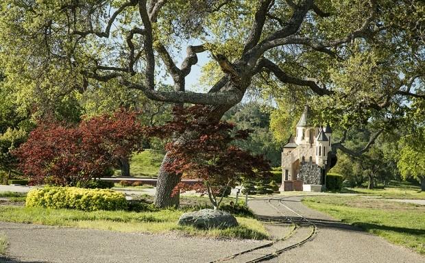 Плохая репутация: ранчо Neverland Майкла Джексона сняли с продажи - фото №5