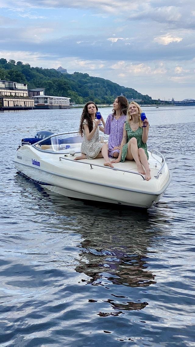 Sparkling Boats Киев
