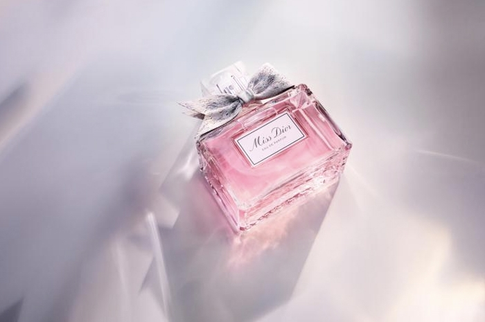 Натали Портман стала лицом новой версии аромата Miss Dior - фото №2